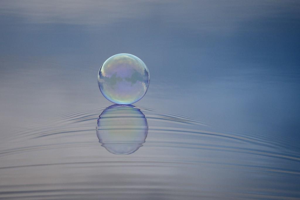 såpbubbla på vatten